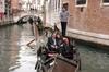 Innamorarsi a Venezia: gondola privata e cena romantica