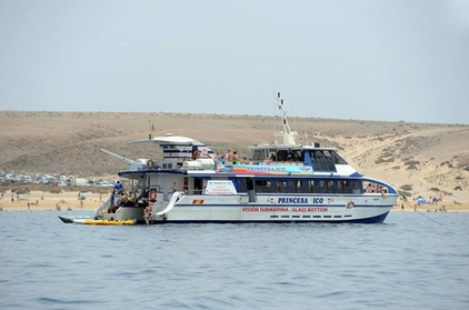 Lanzarote, billete de ferry a Fuerteventura con traslados al complejo turístico Oferta en Groupon