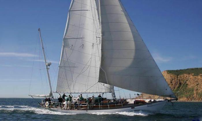 Sailing on the Jada