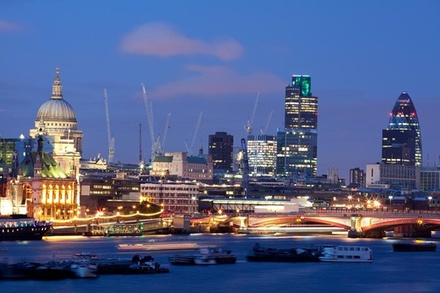 London by Night Independent Sightseeing Tour with Private Driver (London)