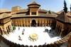 Recorrido privado por la Alhambra, los Palacios Nazaríes, el Genera...