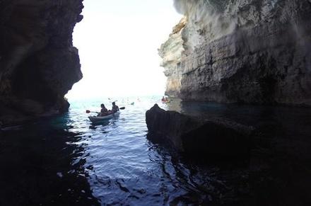 Recorrido por las cuevas marítimas de Mallorca, con surf de remo y kayak desde Playa de Palma