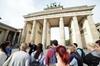 Landausflug ab Warnemünde: Private Führung durch Berlin
