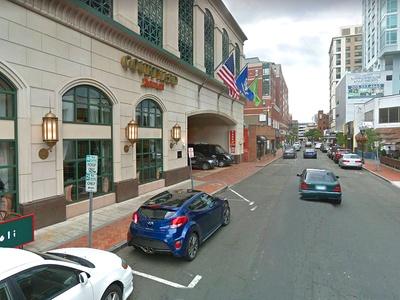 Parking at Courtyard Marriott Hotel - Valet