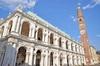 Tour a piedi dei luoghi di interesse di Vicenza con una guida locale