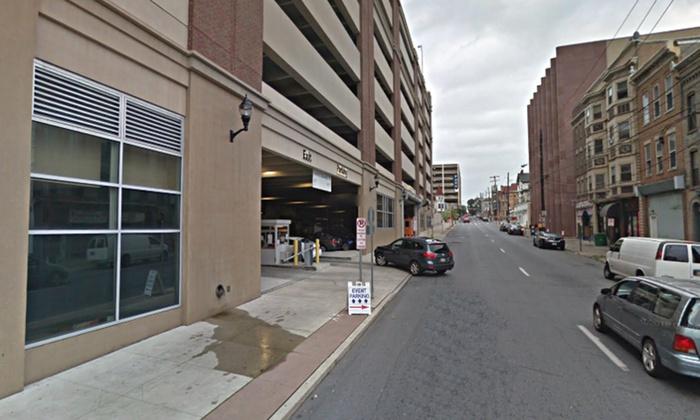 Parking at 712 W  Linden St  Garage