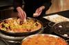 Experiencia culinaria para preparar paella, tortilla y sangría de M...
