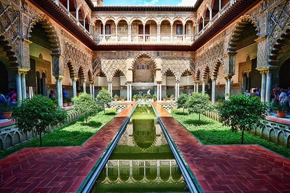 Visita guiada preferente a los Reales Alcázares de Sevilla Oferta en Groupon