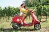 Tour autonomo con Vespa d'epoca e degustazione di vini con partenza...