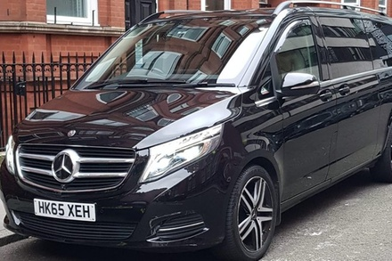 Central London to Stansted Airport Private Transfer for 6-8 Travelers (London)