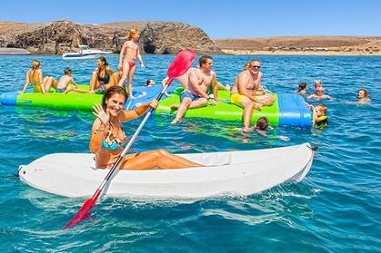 Crucero a Lanzarote con deportes acuáticos y almuerzo Oferta en Groupon