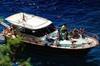 Esperienza in barca sulla costa di Sorrento e Capri, partendo da So...