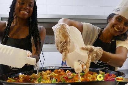 Clase de cocina de paella vegetariana y recorrido por el mercado en Valencia