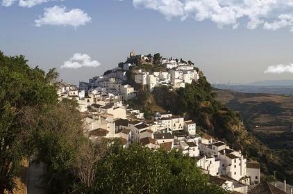 Excursión privada de medio día a Casares desde Marbella o Málaga Oferta en Groupon