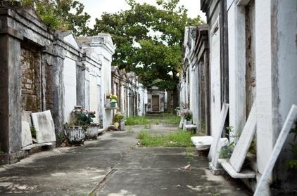 St. Louis Cemetery Number 1 Tour fe9f6f3e-4750-48e4-8cff-b1e537ecacf1