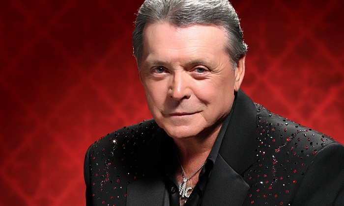 Arena Theatre - Sharpstown: Mickey Gilley at Arena Theatre
