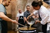 Taller de paella para grupos pequeños con chef y almuerzo