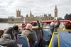 London Hop-on Hop-off Bus and Walking Tour Pass with free Thames Ri...