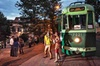Tour turistico di Roma in un tram antico (vino incluso)