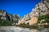 Excursión de medio día para grupos pequeños a Montserrat con entrad...