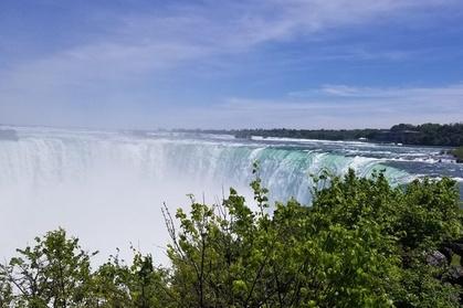 Toronto to Niagara Falls Night/Day Tour with Boat Tour photo