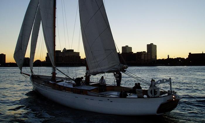 The Schooner America 2.0 - Chelsea: City Lights Sail