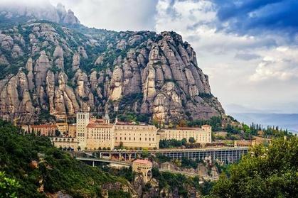 Tour privado: Visita a Montserrat y sobre el cava