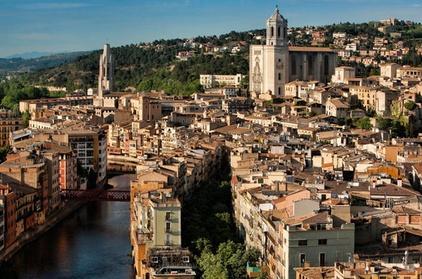 Recorrido privado: Ciudades medievales de Gerona, Pals y Peratallada desde Barcelona