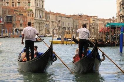 Giro in gondola sul Canal Grande di Venezia
