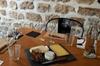 Expérience d'accord vins et fromages à Paris en petit groupe