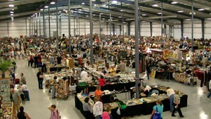 Lake County Fairgrounds: Grayslake Antique Market at Lake County Fairgrounds