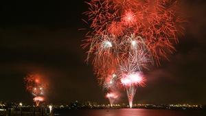 Coronado Ferry Landing: Summer Fireworks Kayak Tour at Coronado Ferry Landing