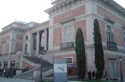 Entrada del Museo del Prado en Madrid