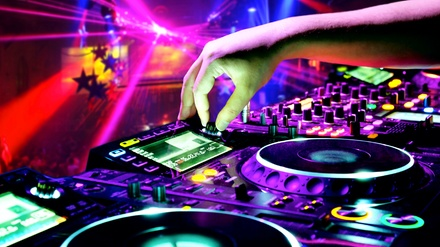 Heated Indoor Quiet Clubbing Party at Hudson Grille - White Plains