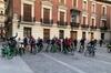 Recorrido turístico divertido en Madrid en bicicleta de 3 horas: Lo...
