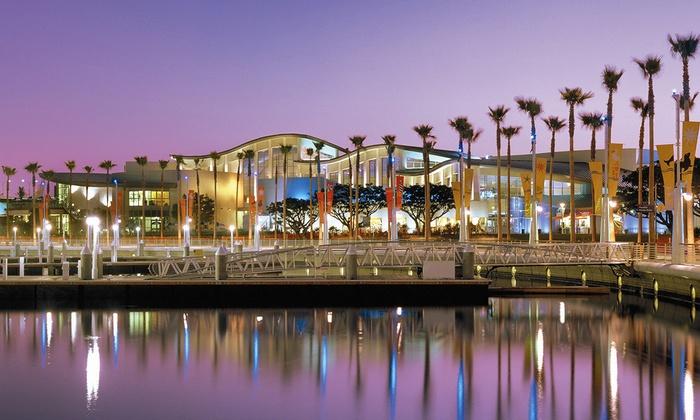 Aquarium of the Pacific - Downtown Long Beach: Aquarium of the Pacific at Night at Aquarium of the Pacific