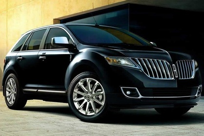 Private Transfer Milwaukee Airport MKE to Milwaukee in Business Class Car