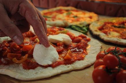 Lezione di cucina di pizza e pasta di 4 ore per piccoli gruppi, a R...