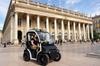 Visite autoguidée de Bordeaux de 2heures et demie en voiture élect...