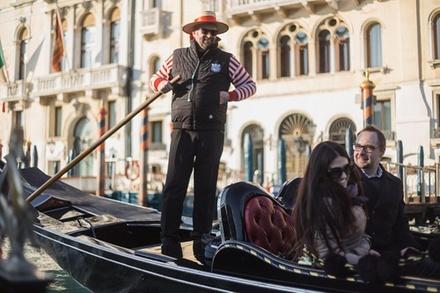 Deal Tour & Giri Turistici Groupon.it Canal Grande in gondola con cantanti e cena, senza fare coda e con ...