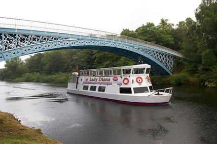 2 Hour Iron Bridge Cruise on River Dee in Chester