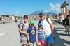 Tour saltafila dell'antica Pompei per famiglie e bambini con guida ...
