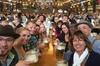 All-inclusive-Tour zum Oktoberfest und Tischreservierung in einem g...