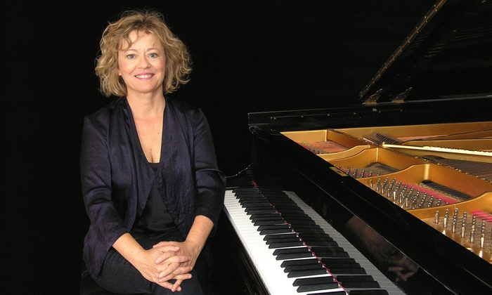 Leonard Nimoy Thalia, Symphony Space - Upper West Side: Pianist Lisa Moore at Leonard Nimoy Thalia, Symphony Space