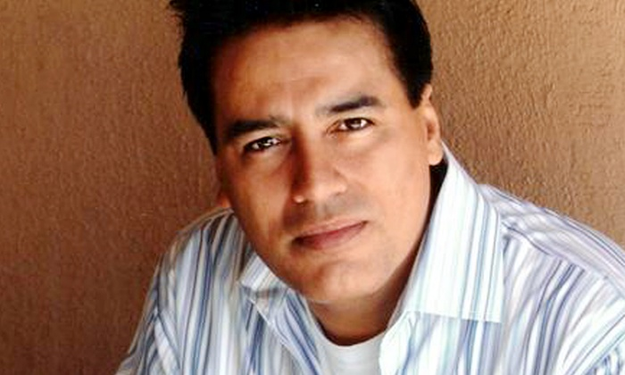 Laugh Factory - Arizona - Central Scottsdale: Comedian Willie Barcena at Laugh Factory - Arizona