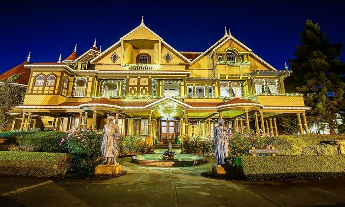 Winchester Mystery House - Winchester: The Spirit of Christmas: Evening Guided Tour at Winchester Mystery House