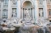 Tour a piedi privato delle piazze e delle fontane romane più il Pan...