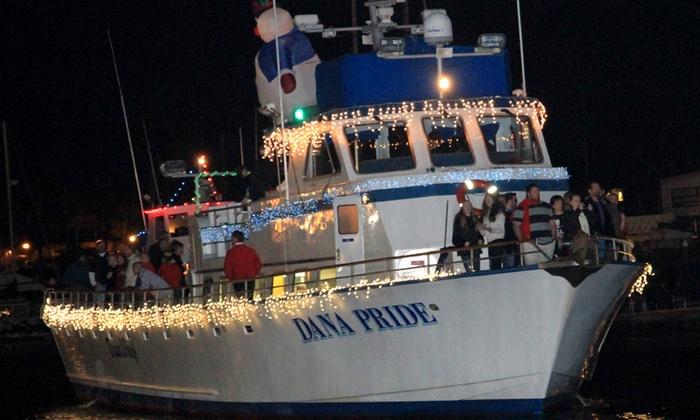 Dana Wharf Boats - Villa San Juan Mobile Home Park: Dana Point Christmas Boat Parade of Lights at Dana Wharf Boats