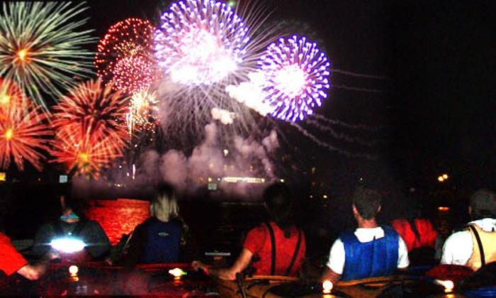 Kayak Chicago - Chicago River - Goose Island: Fireworks Paddle
