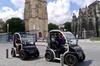 Visite autoguidée en voiture électrique de 1heure et demie à Bordeaux